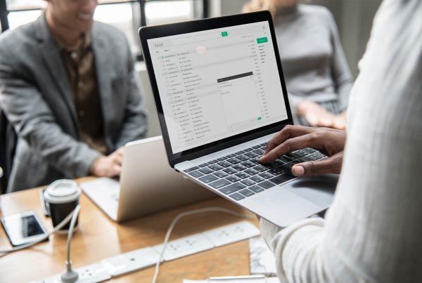 Communication du CSE : email ou messagerie